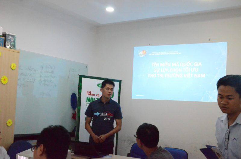 Đại diện VNNIC chia sẻ thông tin khảo sát thị trường tên miền tại Việt Nam.