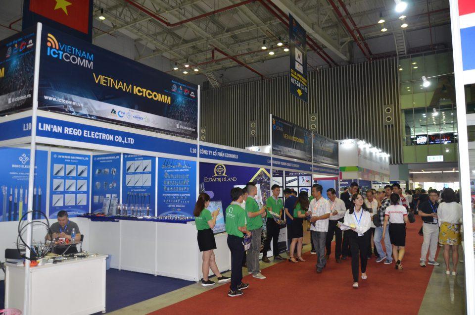 Bên trong triển lãm ICTCOMM Vietnam 2019